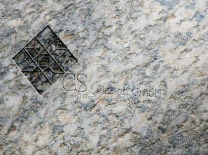 Logo in Stein graviert für CS Fliesen.