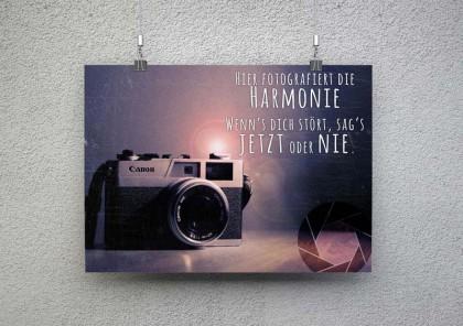 Bildkomposition mit Text und Grafik für den Musikverein Harmonie Stötzbach. Hinweis, dass auf Veranstaltungen vom verein fotografiert wird.